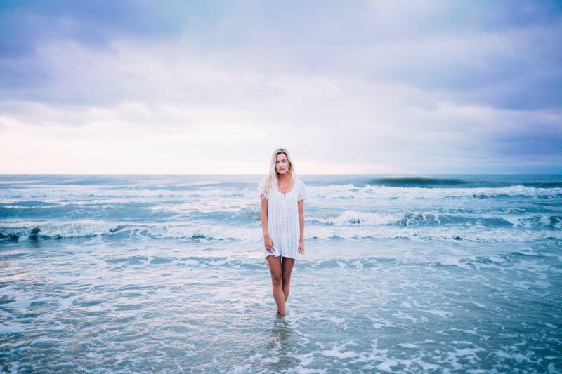 fast-fashion-beach-ocean