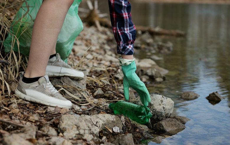 single-use-plastic-litter
